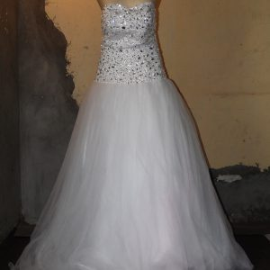 Crystal bead sweetheart wedding gown