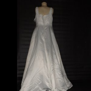 Scoop neck wedding dress