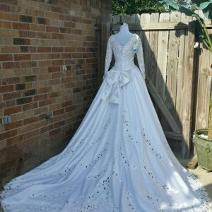 preowned wedding gowns