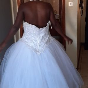 Halter neck tulle wedding dress