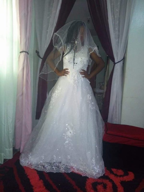 V-neck bridal dress
